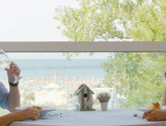 Offerta speciale Agosto a Riccione fronte mare